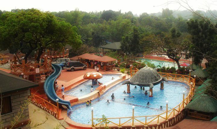 Swimming pools bosay resort for Swimming pool resort in gensan