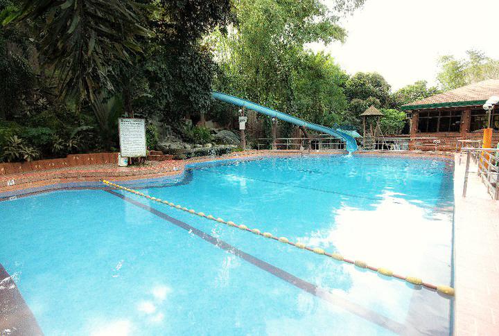 Swimming Pools Bosay Resort